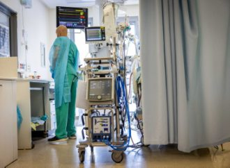 Los pacientes con COVID ventilado de Israel alcanzan el pico de la cuarta ola